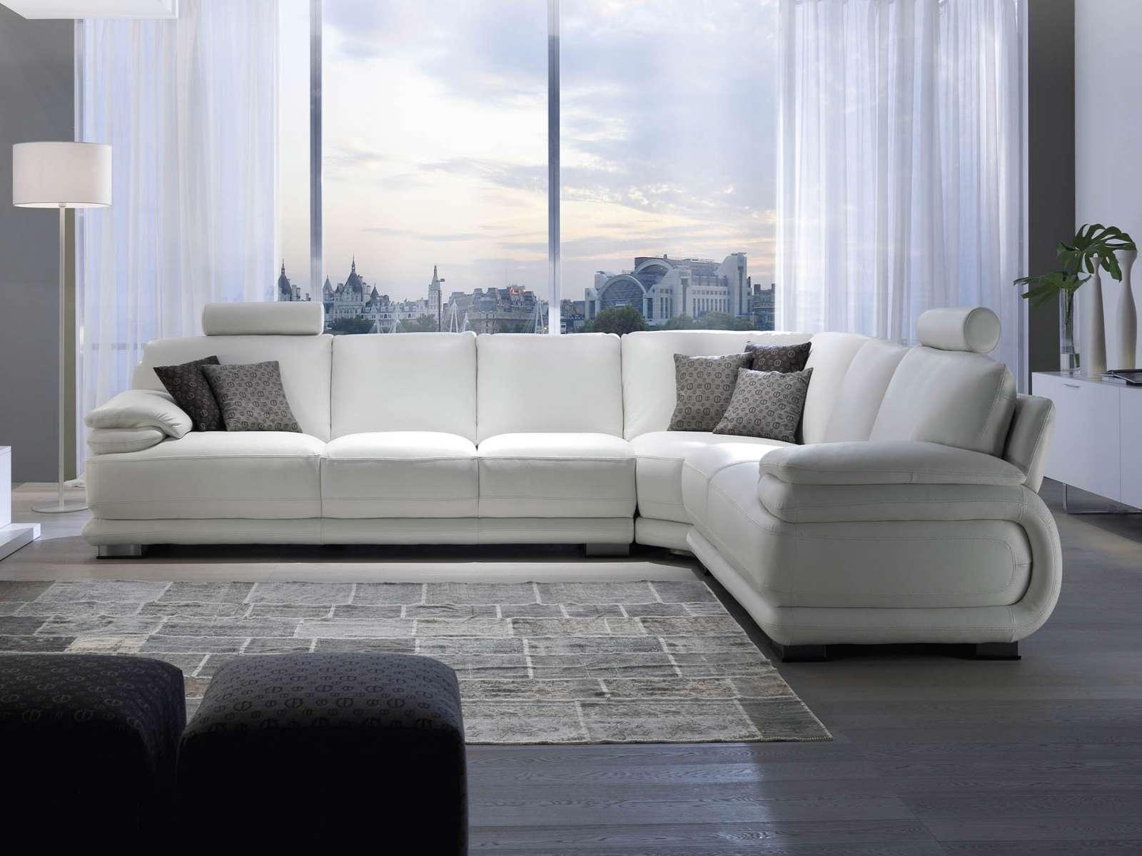 Sofa da màu trắng sang trọng và thoáng mát